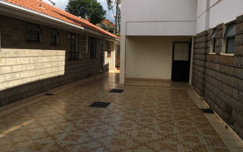 8 Units, 14 Bedroom house for sale in Runda