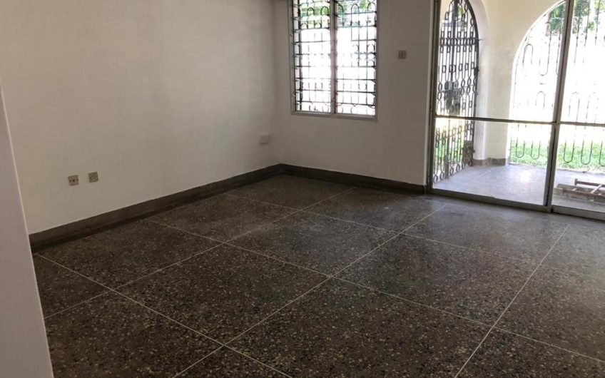 5 bedroom to Let in Nyali