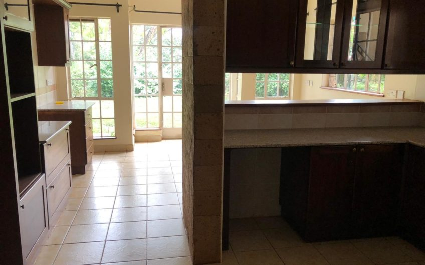 5 Bedroom house to let/sale in Rosslyn