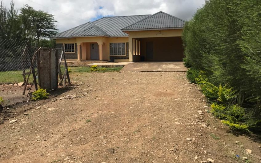 FOUR BEDROOM BUNGALOW FOR SALE IN KITENGELA.