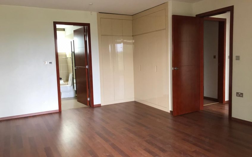 Three-Bedroom Apartment to let in Parklands