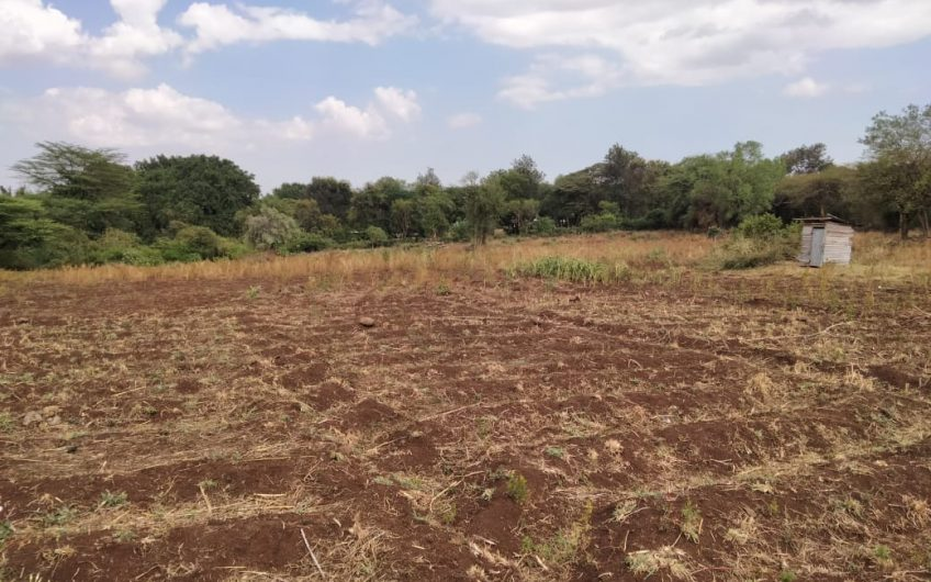 Land For Sale : Isiolo – Meru Highway